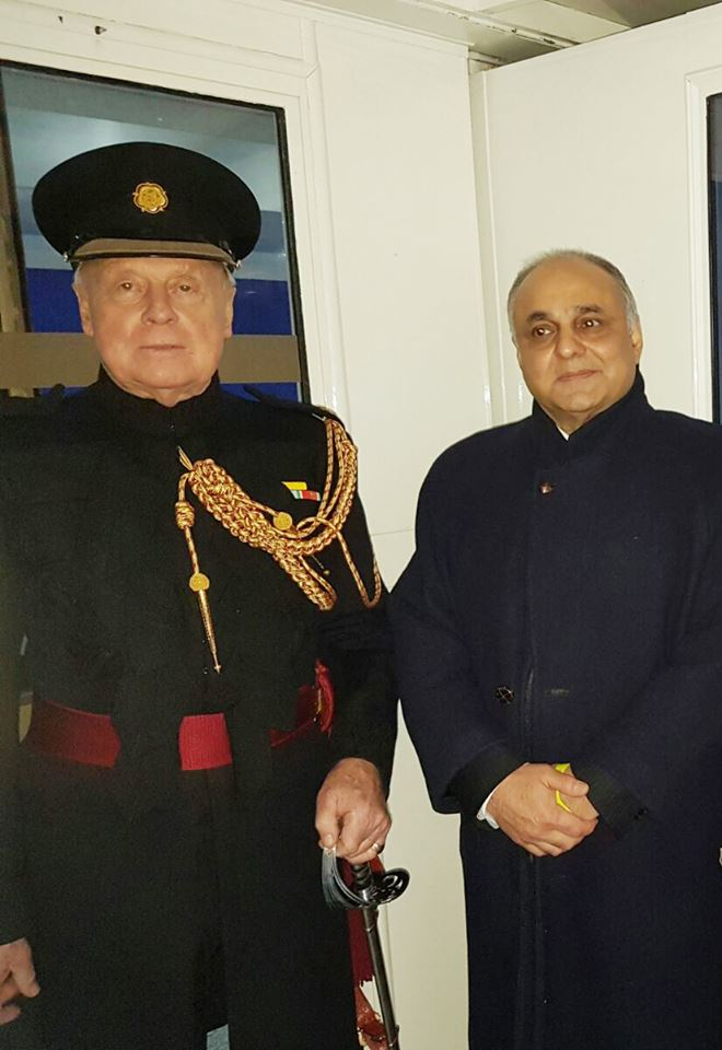 pakistan-segment-receives-applause-at-london-new-years-day-parade-1